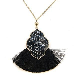 No. 3 tassel fan snake necklace print geometric